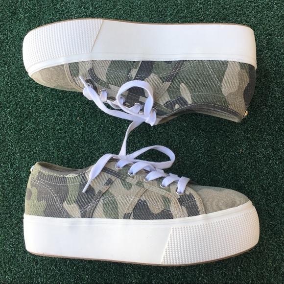 Nwt Emmi Platform Sneaker Camo 75
